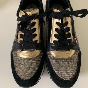 Ladies Michael Kors shoes